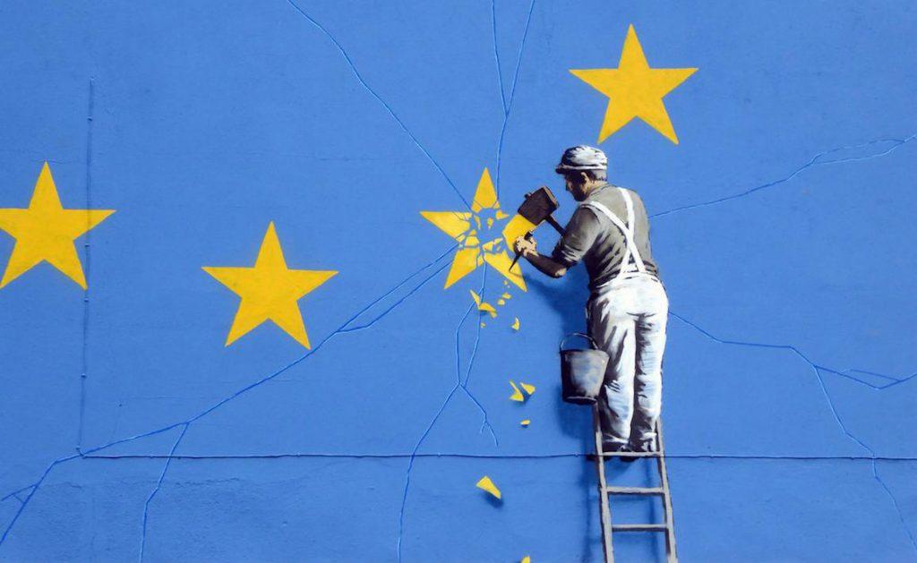 英國著名塗鴉藝術家 Banksy 的脫歐塗鴉(圖/Dunk 🐝/CC BY 2.0)