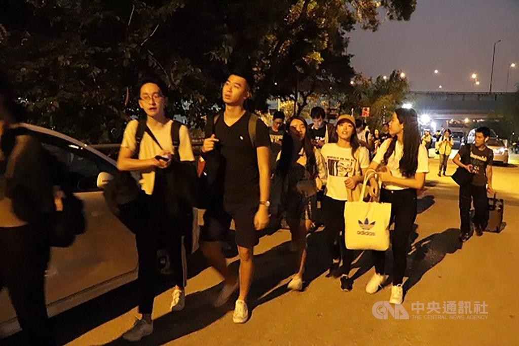 留港台生準備撤離香港