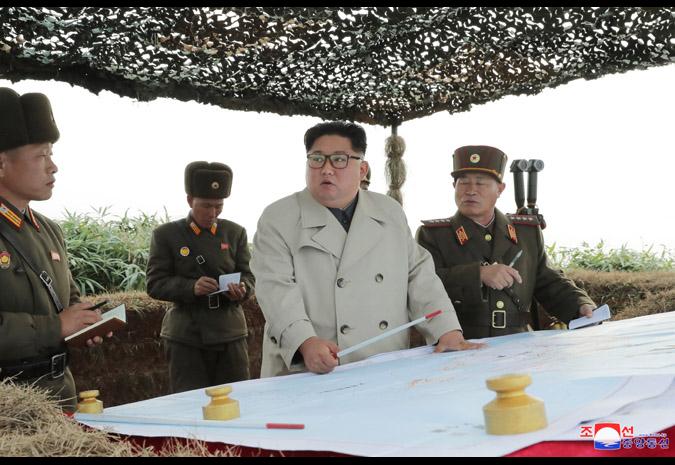 金正恩親自選定目標下令開火砲擊(圖/朝鮮中央通信)