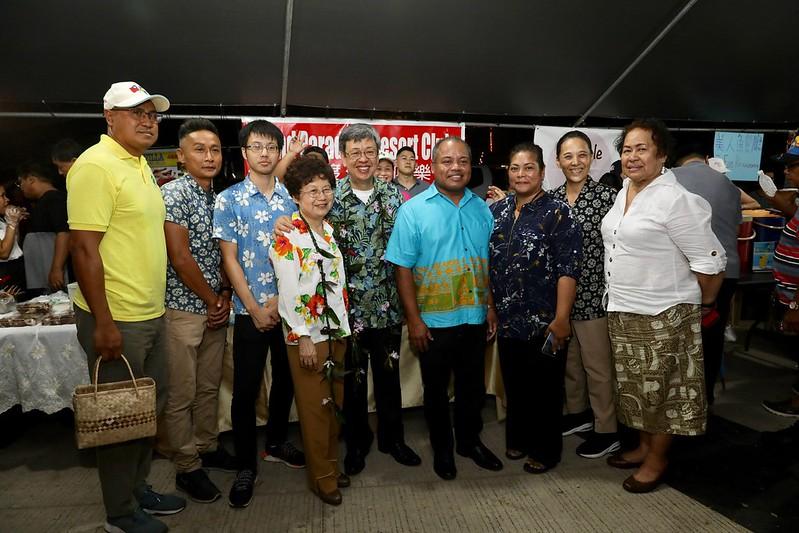 副總統出訪帛琉參訪夜市
