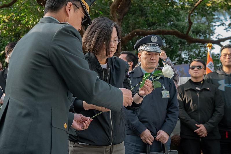 總統到台北賓館追思會場獻花