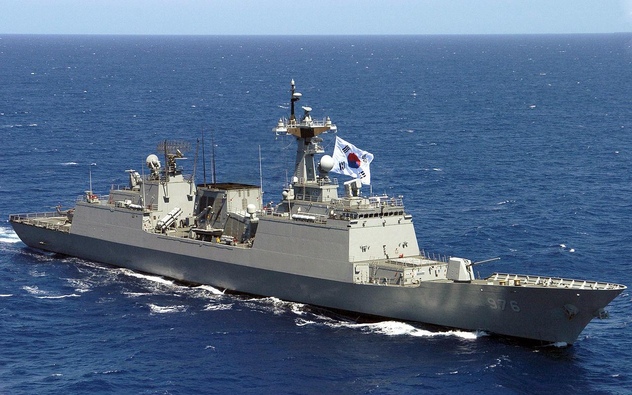 韓國海軍忠武公李舜臣級驅逐艦(圖/U.S. Navy photo by Mass Communication Specialist 2nd Class Rebecca J. Moat/公共領域)