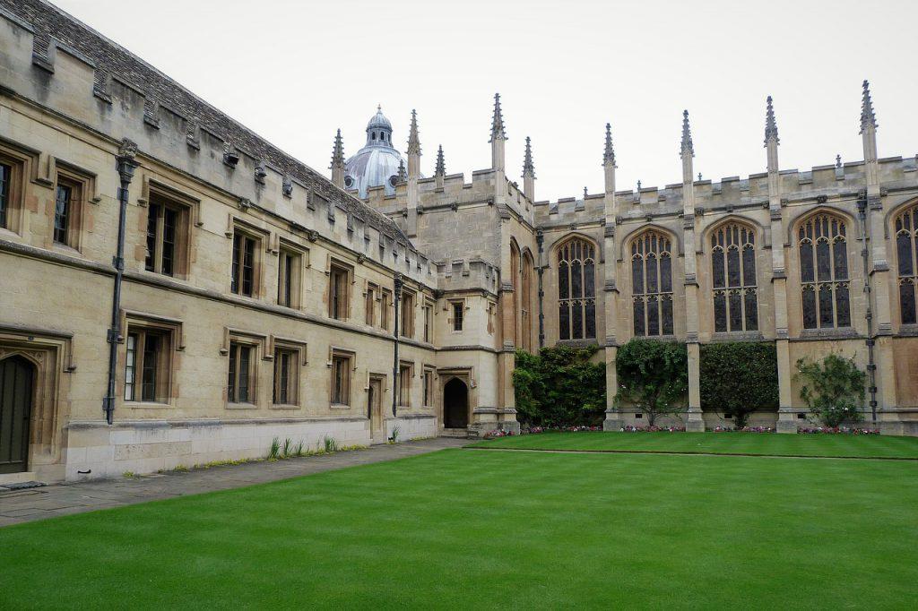 牛津大學(圖/pixabay)