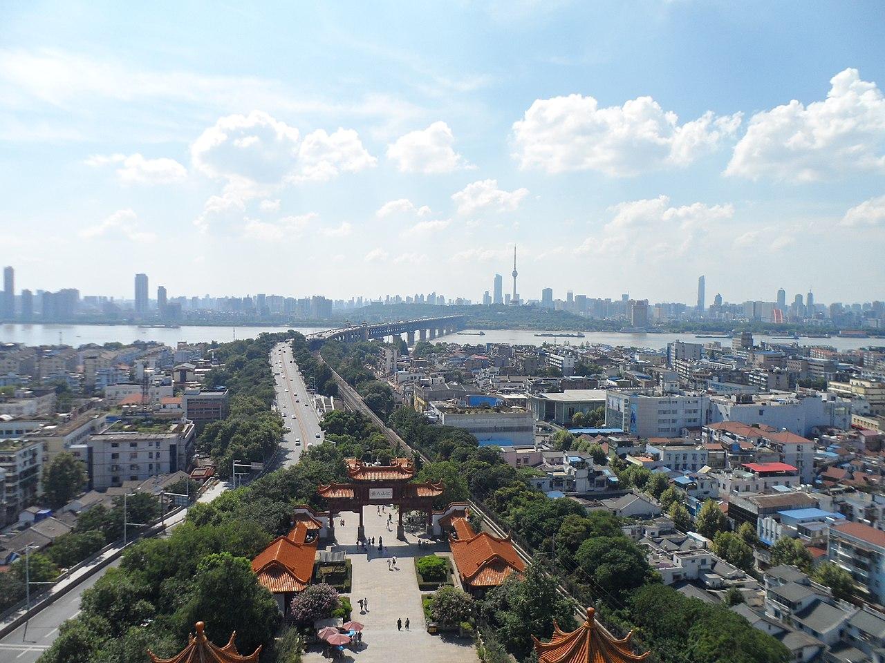 武漢黃鶴樓俯瞰(圖/螺釘/CC BY-SA 4.0)