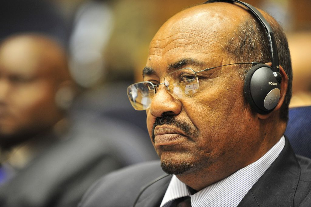 蘇丹前軍事政府強人巴席爾(Omar al-Bashir)(圖/U.S. Navy photo by Mass Communication Specialist 2nd Class Jesse B. Awalt/公共領域)