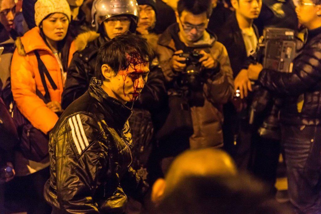 324行政院驅離事件,有人被警察打到滿臉是血