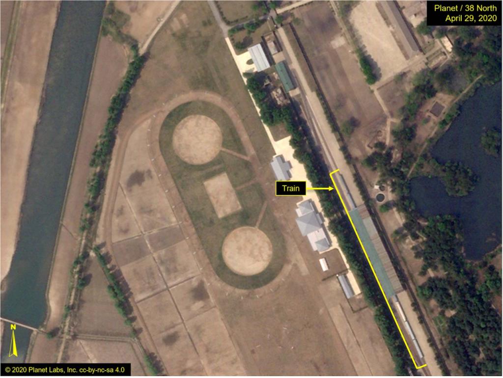 衛星拍攝到金正恩專屬火車 21-23日停靠在北韓元山市 (圖/ 北緯 38 度 )