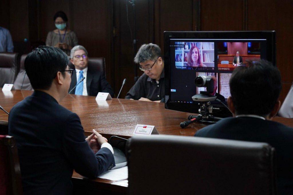 陳副院長其邁於台北時間5月8日晚間與美國衛福部及「戰略暨國際研究中心」(CSIS)進行線上會議分享臺灣防疫成果