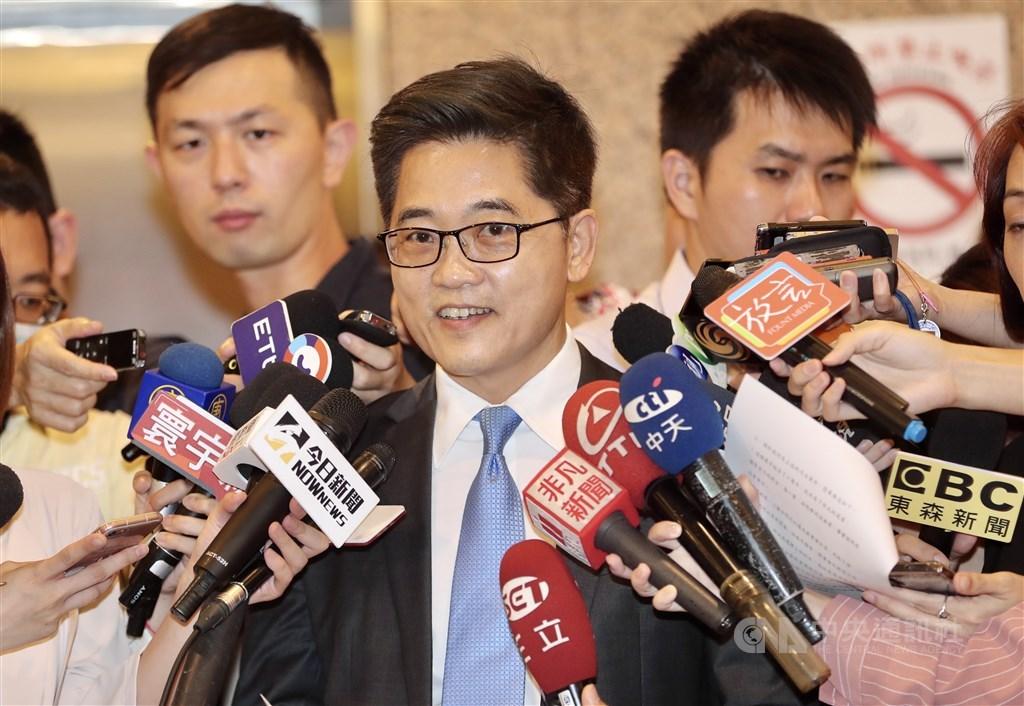 前台東縣長黃健庭親自說明接受副監察院長提名之原因。