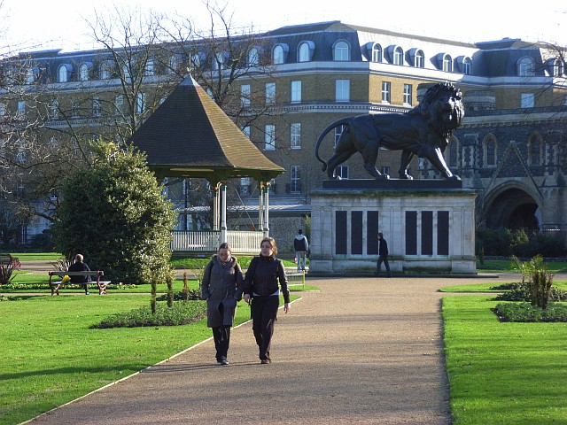 英國雷丁福伯里花園 Forbury Gardens, Reading(圖/Andrew Smith : CC BY-SA 2.0)