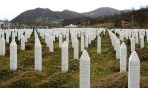 雷布雷尼察(Srebrenica)屠殺的萬人塚(圖/Michael Büker/CC BY-SA 3.0)