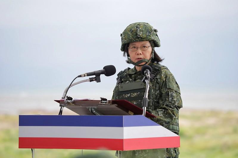 蔡英文總統重申,國家安全不靠卑躬屈膝、要靠精實國防。
