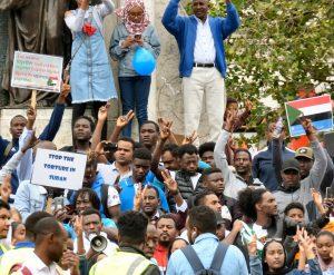 蘇丹民眾抗議酷刑(圖/Gerald England/CC BY-SA 2.0)