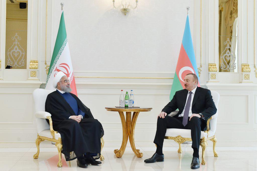 亞塞拜然總統阿利耶夫(Ilham Aliyev) & 伊朗總統羅哈尼(Hassan Rouhani)(圖/Presidential Press and Information Office/CC BY 4.0)