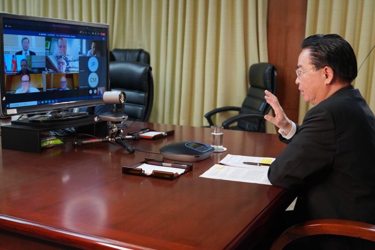 外交部長吳釗燮與英國國會「中國研究小組」透過視訊交換意見。