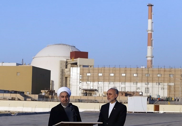Rouhani_and_Salehi_in_Bushehr_Nuclear_Plant_(圖/Hossein Heidarpour/CC BY 4.0)