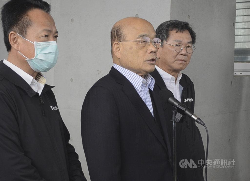 面對在野黨打算在24日前要發動反對萊豬進口表決,行政院長蘇貞昌(中)19日表示,做生意要講究有來有往,豬肉要外銷,要跟美國做生意,不能說人家的不能來。中央社