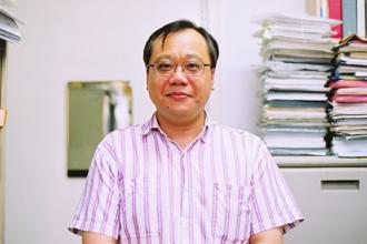 台大化工系終身特聘教授李篤中