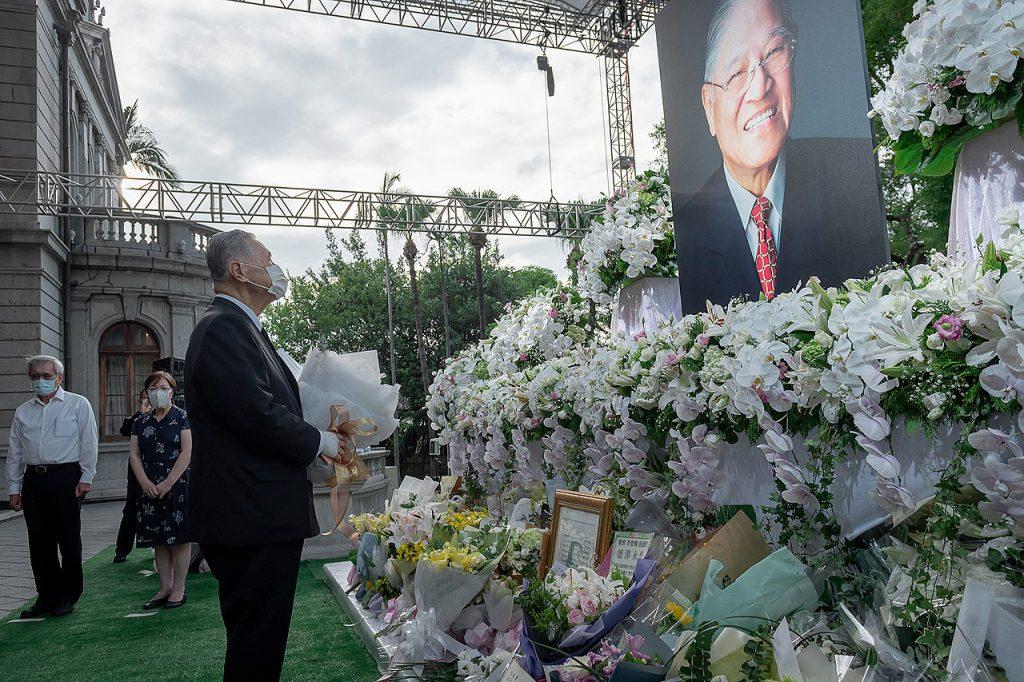 2020年森喜朗來台追悼前總統李登輝(圖/總統蔡英文推特)