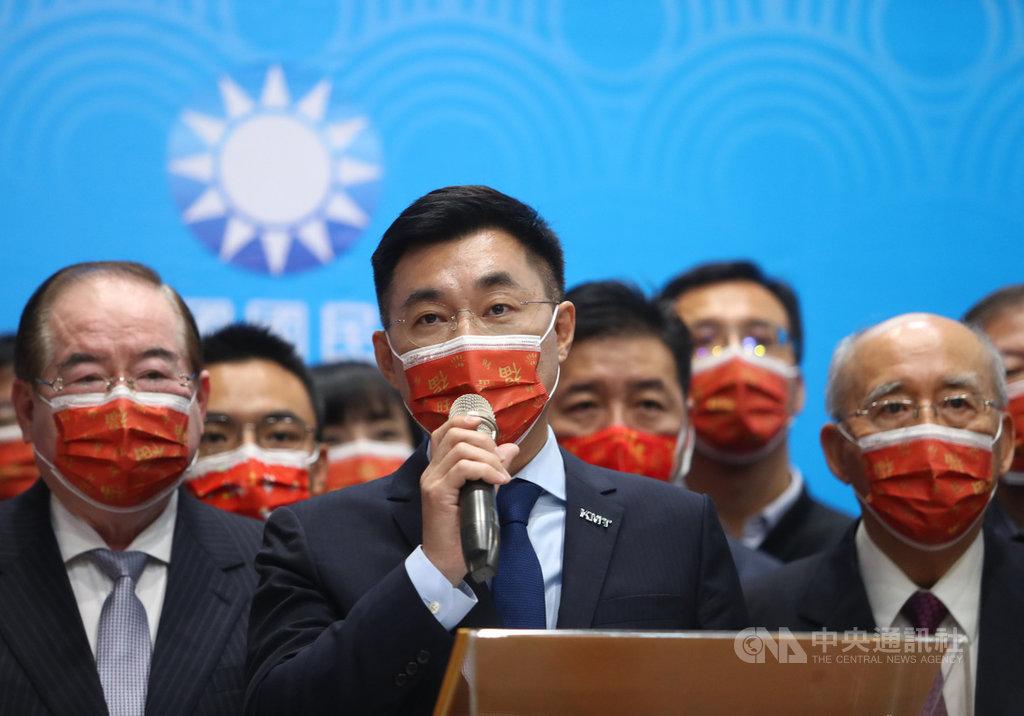 國民黨17日舉行新春團拜,黨主席江啟臣(前中)發表新春談話。中央社記者王騰毅攝 110年2月17日