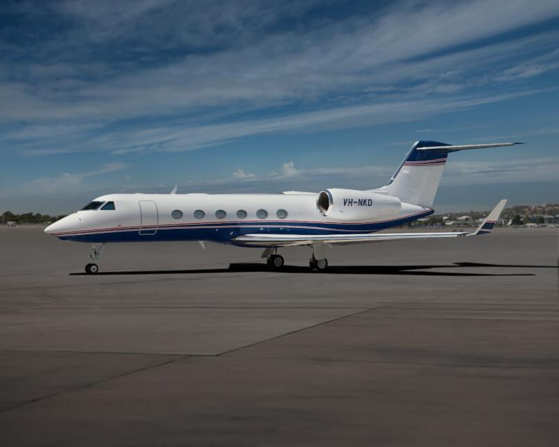 Gulfstream G350 photo