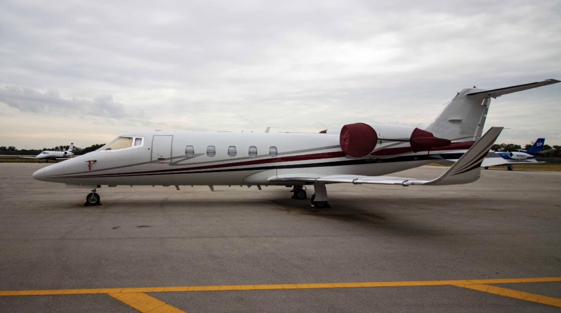 Learjet 60 photo