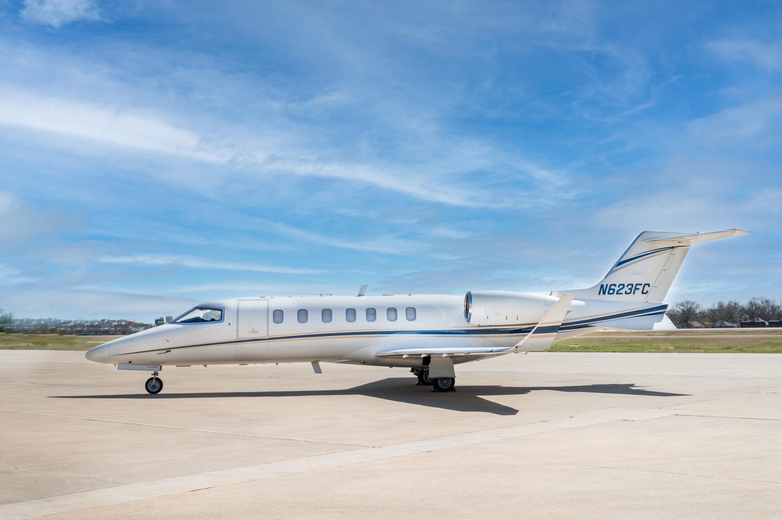 Learjet 40XR photo