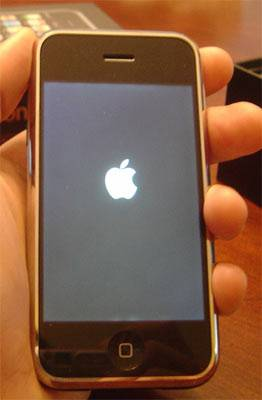 Solution To iPhone 4/3GS/3G Stuck on Apple Logo 12