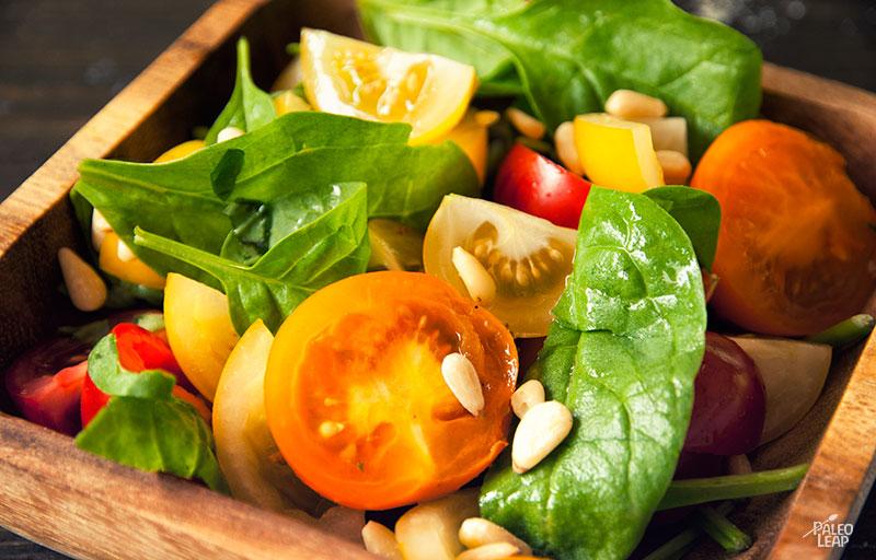 Ensalada de espinaca con tomate y pollo (r)