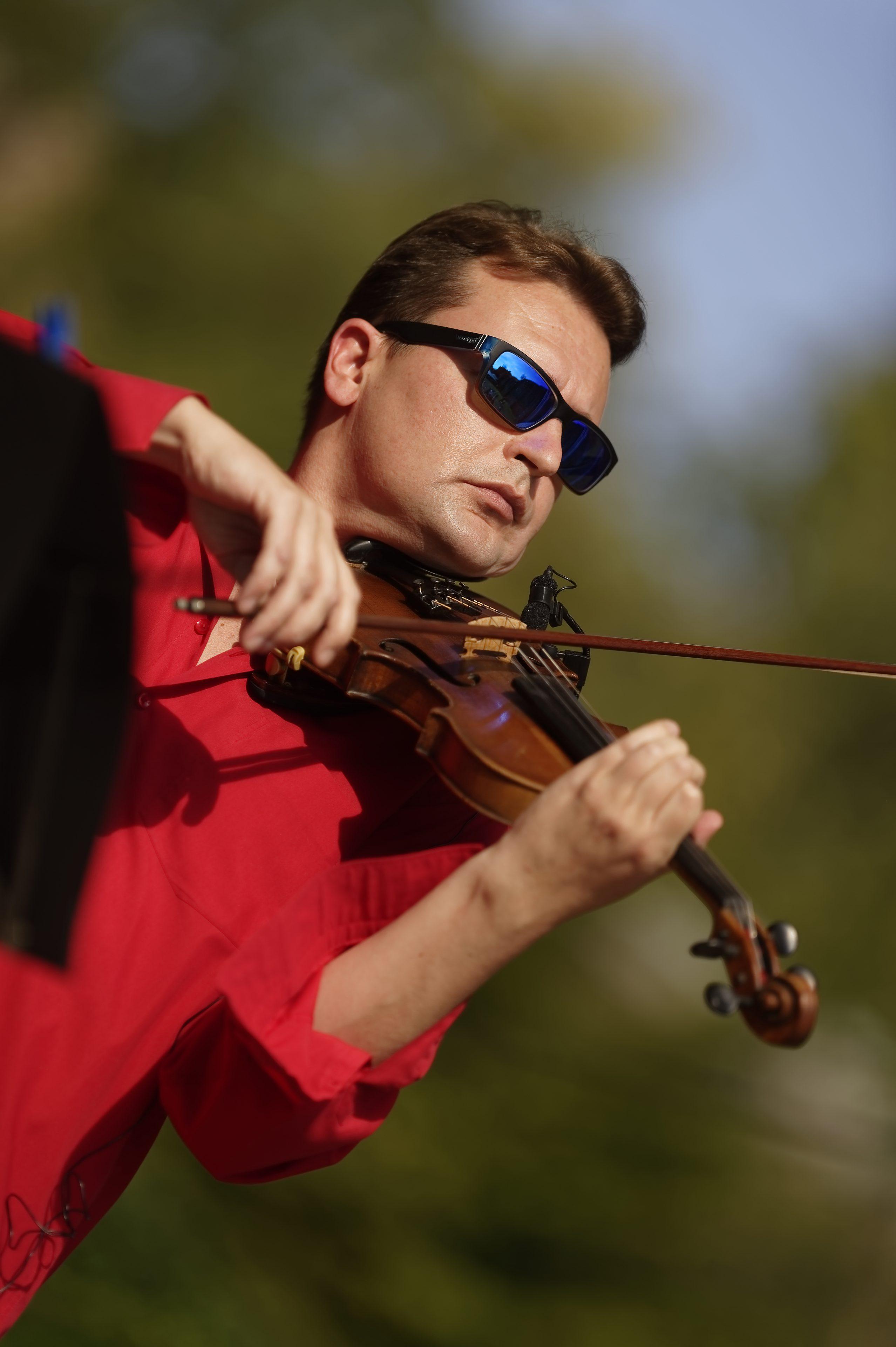 Michael Makarov Jazz Pop Sinfonie Violine Wiesbaden Neroberg Burgfestspiele 13.09.2020