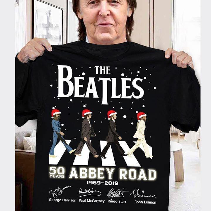The Beatles 50 Years Abbey Road 1969 2019 Team Signatures Christmas - Gift for Fans T-Shirt