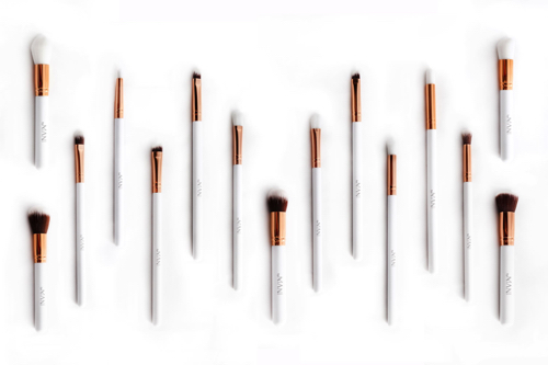 Make-Up brushes, sets and more byMANI