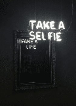 Neon | Neon Type Sign – Camilo Matiz – take a selfie