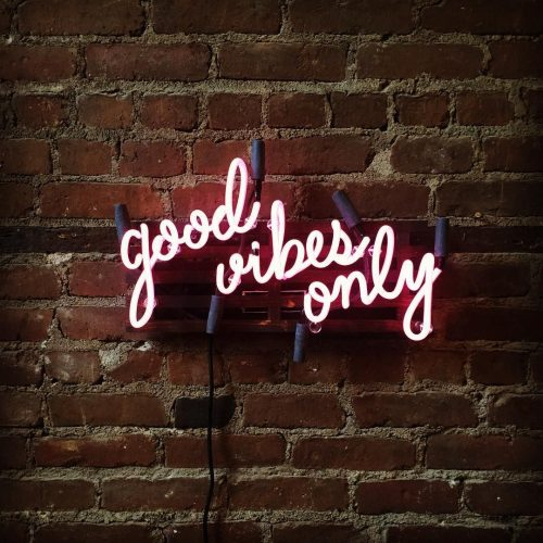 Neon | Neon Type – Good Vibes Only