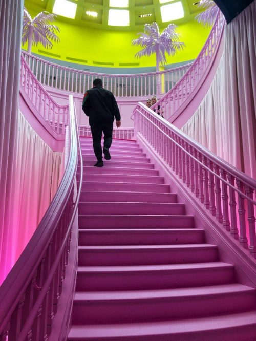 Louis Vuitton – Vaporwave Aesthetics – Beverly Hills – 160 years of fashion