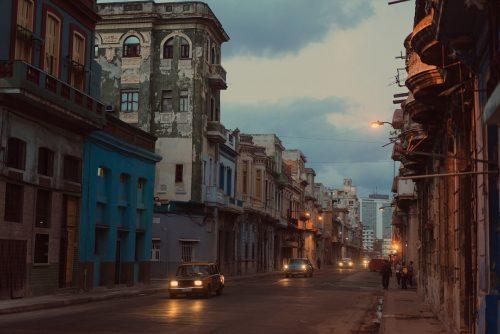 Eric Van Nanyatten Photography – Old school cars in the city of Havana, Cuba