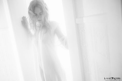 Holger Nitschke Photography – Intimate moments with model Louisa