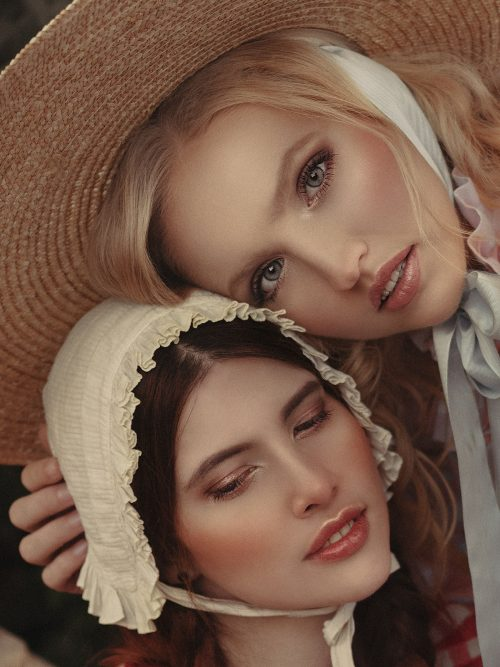 Country Style Valencia Sisters Fashion Photography