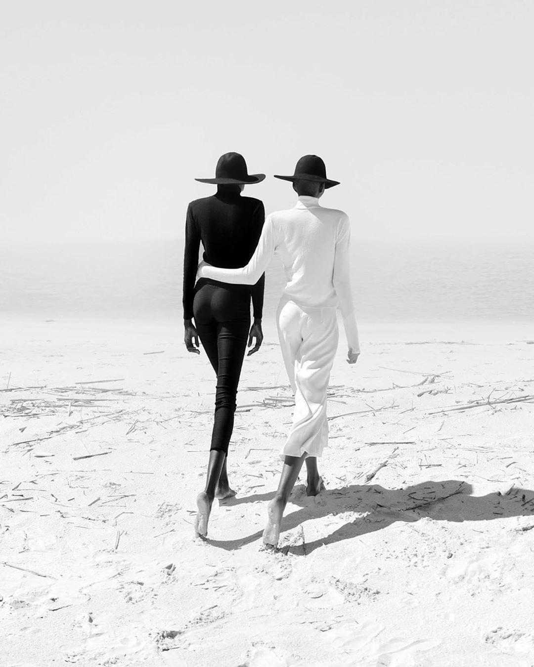 Live Fast Magazine – Black and White