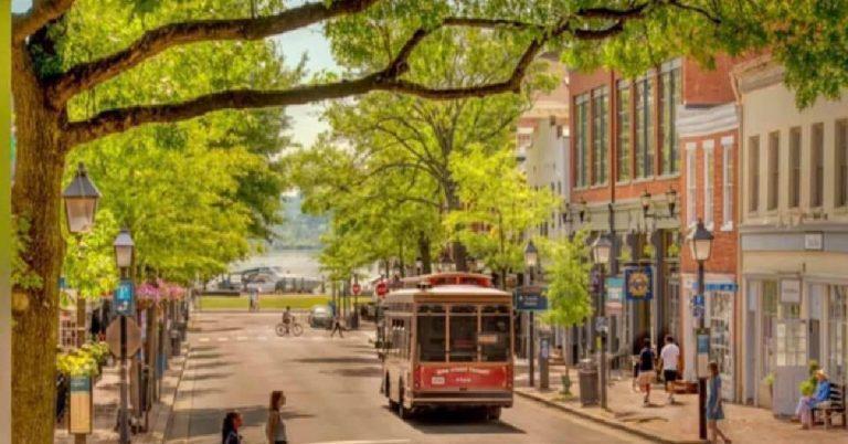 Free King Street Trolley