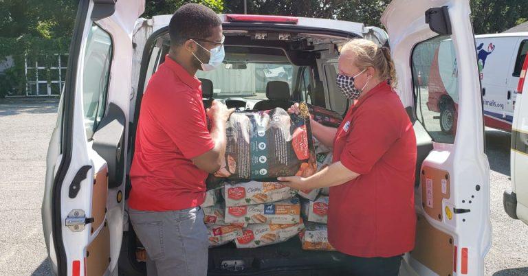 Animal Welfare League of Alexandria Celebrates 40,000 Pounds of Donations