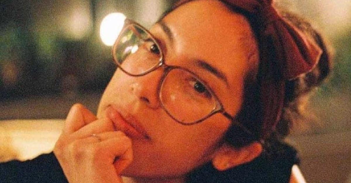 Elizabeth Moscoso looking into the camera.