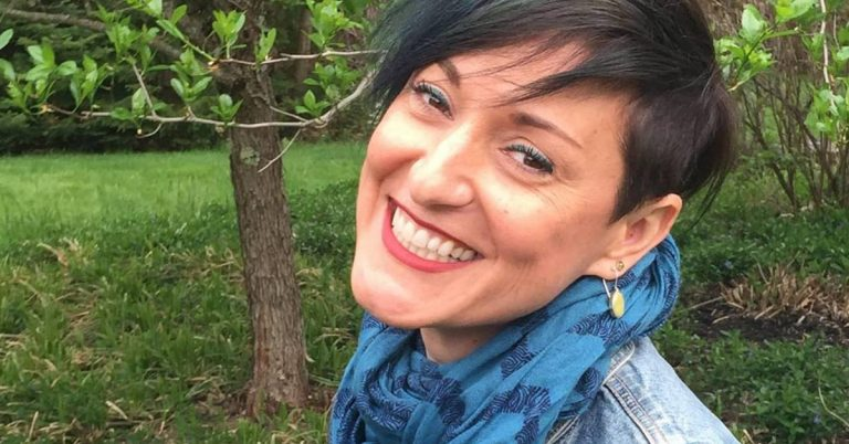 Brash Author Helps Kick Start Relationships