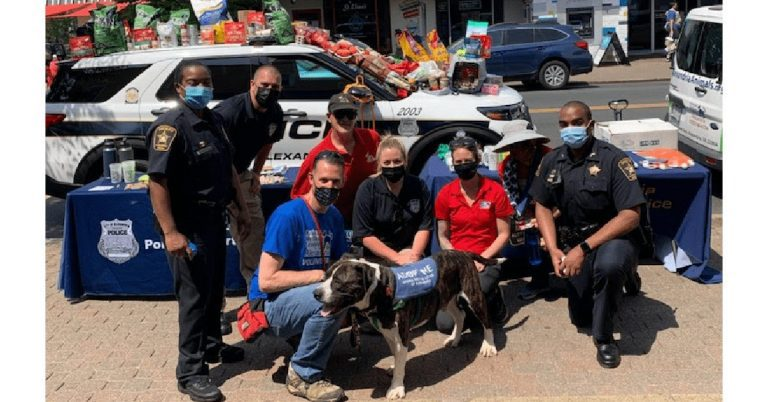 """Annual """"Cover the Cruiser"""" Event Returns, Alexandrians Donate Food and Supplies for Pets in Need"""