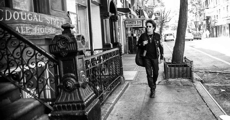 Globally Revered Rocker Willie Nile Lights Up Living On Music
