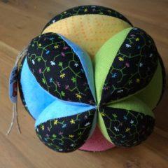 pelota sensorial montessori
