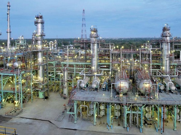 The project will not only increase the capacity of Gujarat refinery from 13.7 million tonnes per annum to 18 million tonnes per annum but also result in integration to petrochemicals with the production of 500 kilo tonnes per annum polypropylene.