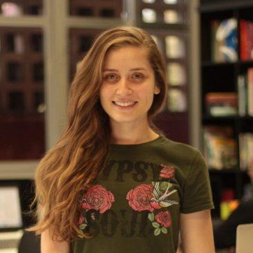 Ana Clara Carvalho