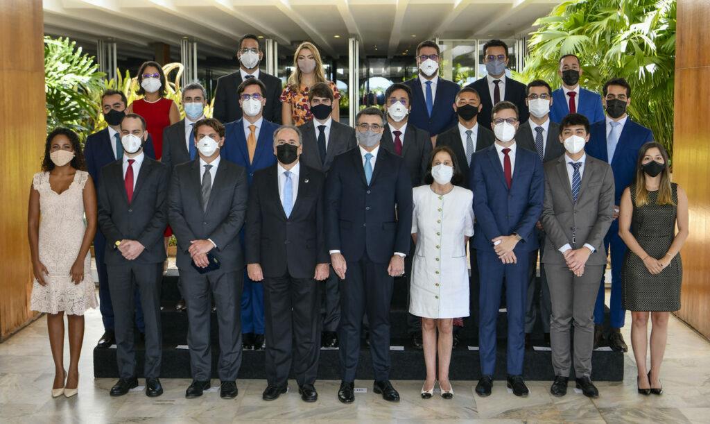 Cerimônia de nomeação do Itamaraty com 23 participantes