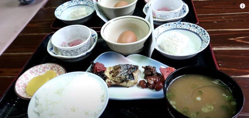 民宿水分村の朝食
